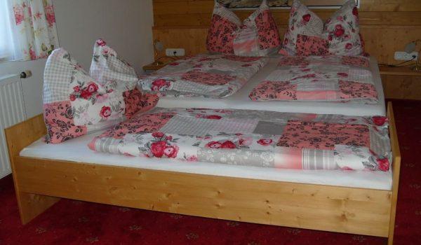 Lieser Schlafzimmer mit Zusatzbettt